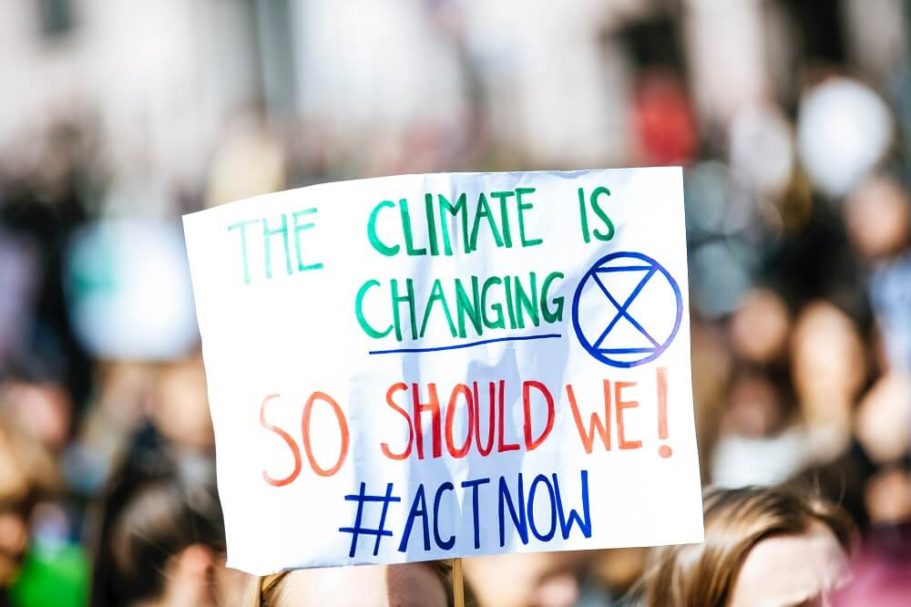 Schild The climate is changing - so should we
